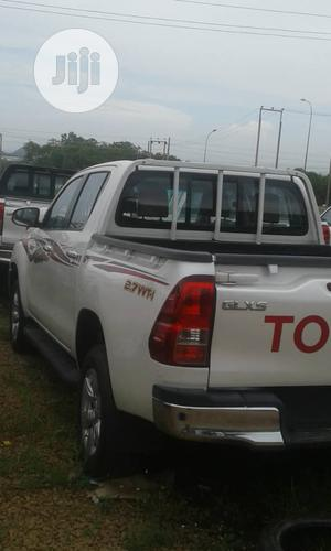 New Toyota Hilux 2019 SR 4x4 White | Cars for sale in Abuja (FCT) State, Garki 2