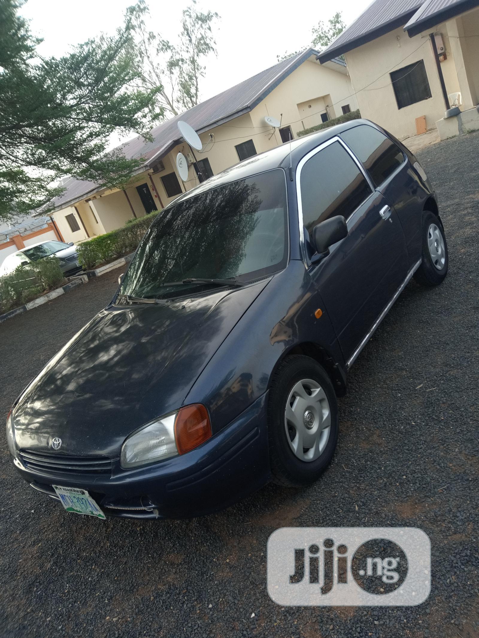 Toyota Starlet 1999 Black