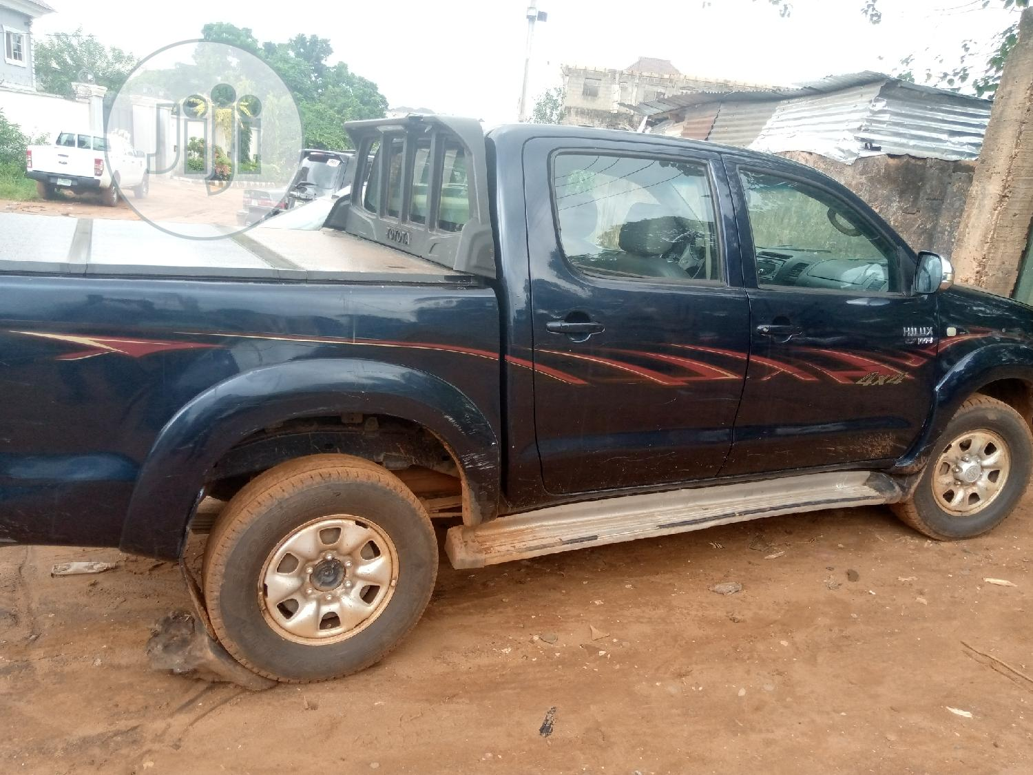 Archive: Toyota Hilux 2009 Blue