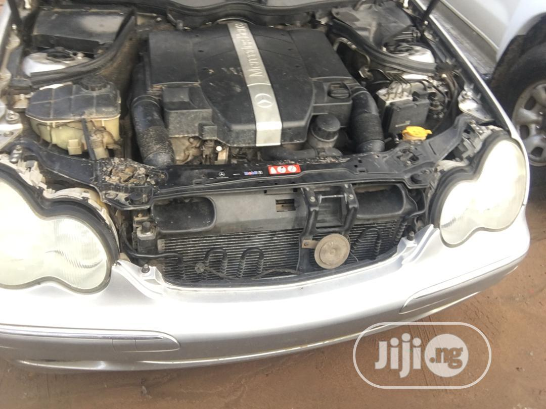 Archive: Mercedes-Benz C240 2004