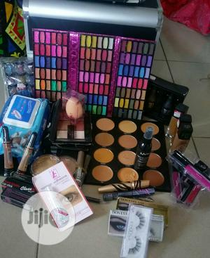 Complete Makeup Set   Makeup for sale in Lagos State, Amuwo-Odofin