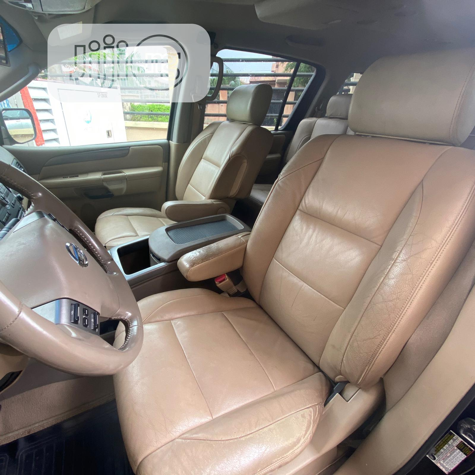 Archive: Nissan Pathfinder 2009 Black