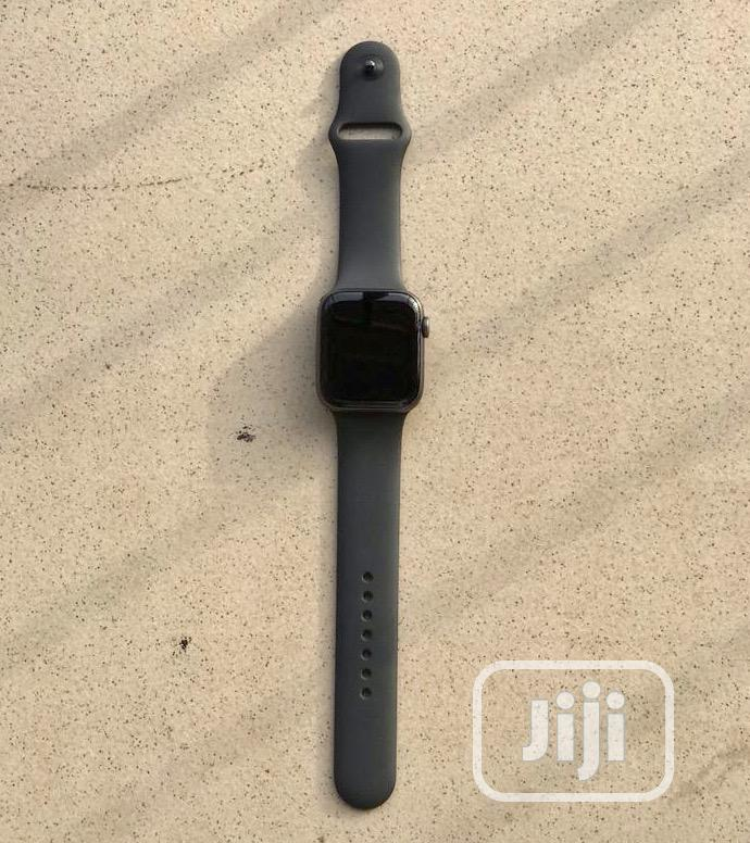 Archive: Apple Watch Seires 5 (44mm GPS+LTE)