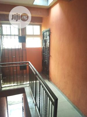 Lovely 3 Bedroom Flat For Sale | Houses & Apartments For Sale for sale in Lagos State, Surulere