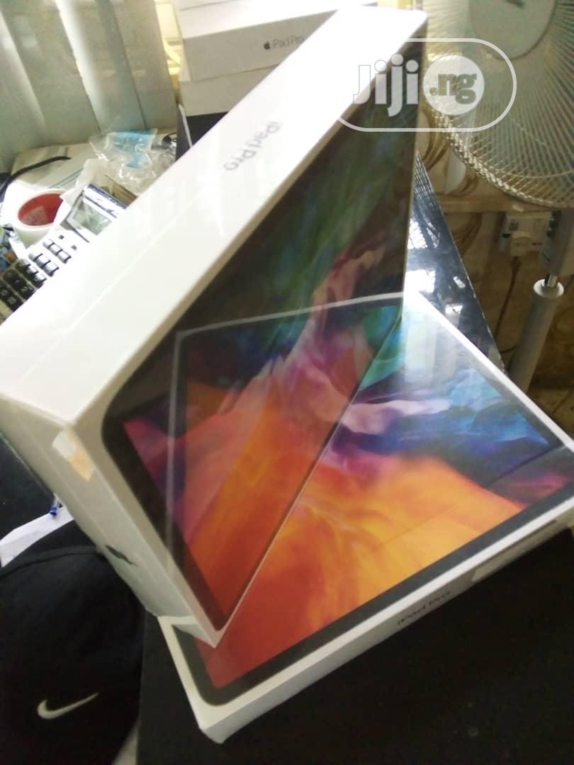Archive: New Apple iPad Pro 12.9 (2020) 512 GB Silver