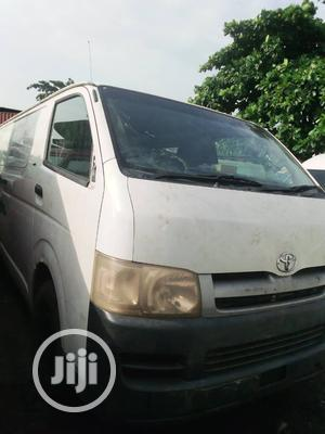 Toyota Haice 2005 White, Container Body For Sale | Buses & Microbuses for sale in Lagos State, Surulere