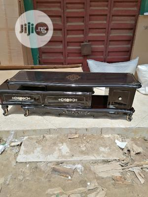 Tv Stand Imported Pure Wood Body Top Glass | Furniture for sale in Lagos State, Ojo