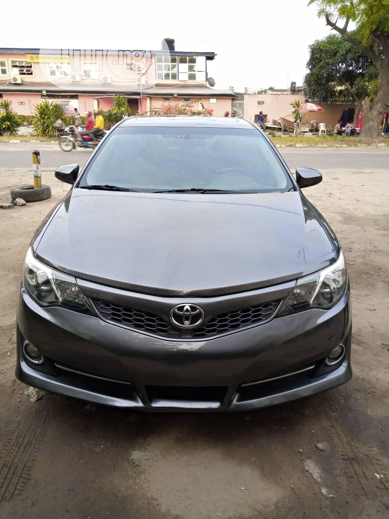 Toyota Camry 2012 Gray
