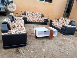 Set Of 7 Seaters Sofa Chairs With Table - Quality Couches | Furniture for sale in Lagos State, Ojo