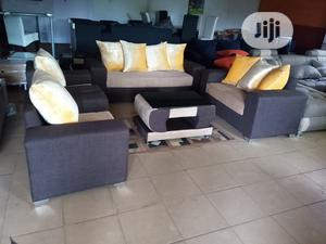 Set Of 7 Seaters Sofa Chairs With Table - Fabric Couch | Furniture for sale in Lagos State, Ikorodu
