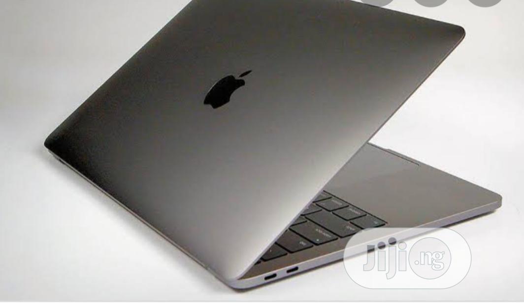New Laptop Apple MacBook Pro 32GB Intel Core I9 SSD 2T