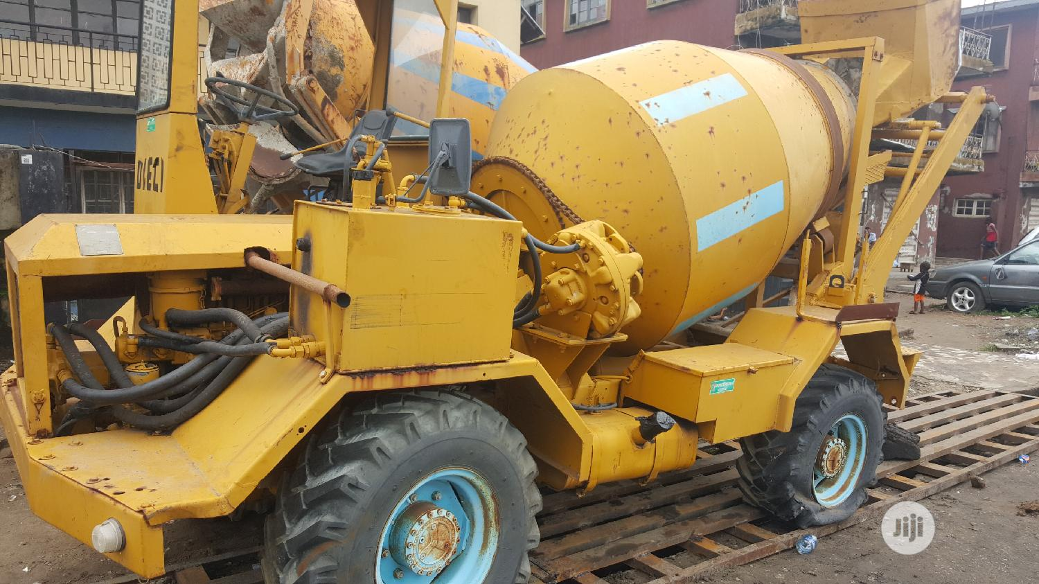 Foreign Used 3.5cubic Self Loader Concrete Mixer DIECI   Heavy Equipment for sale in Apapa, Lagos State, Nigeria