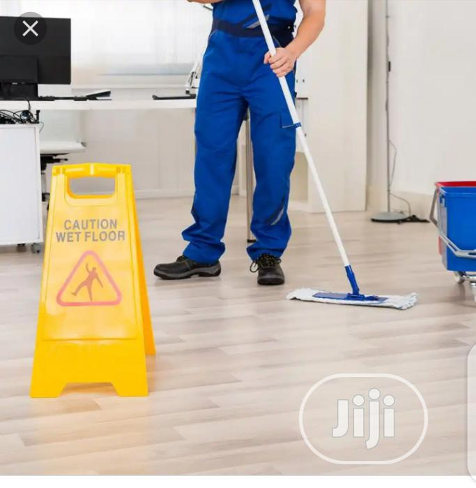 House Washing/Cleaning Service