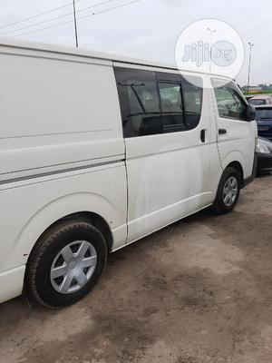 Hiace Bus 2012 Model Righty | Buses & Microbuses for sale in Lagos State, Ojo