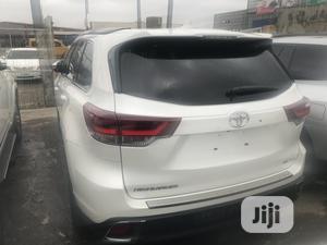 Toyota Highlander 2019 SE White | Cars for sale in Lagos State, Ikeja