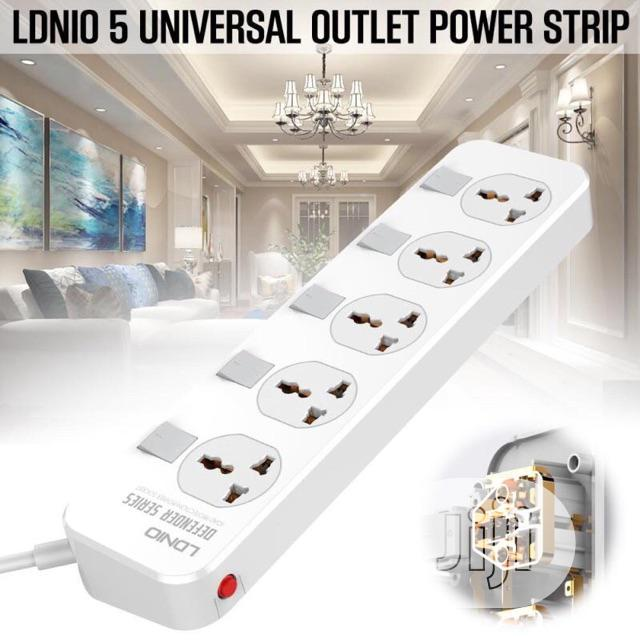 Archive: LDNIO 2meter Extension Cord With 4 Socket Outlets And 4 USB