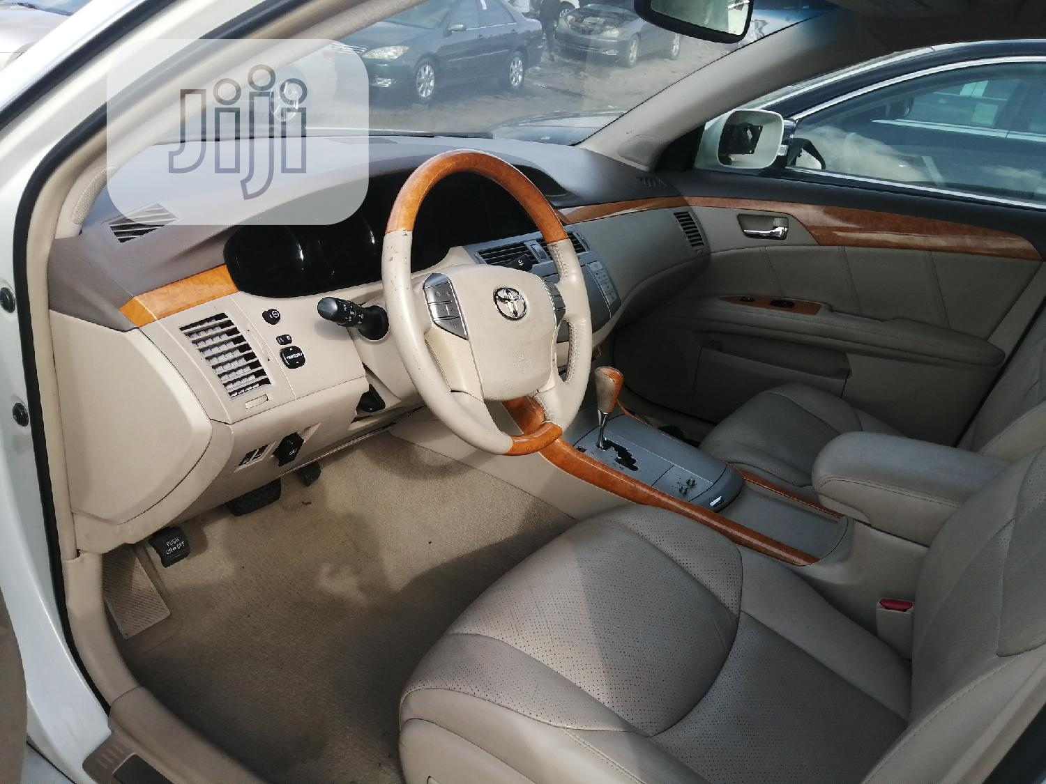 Toyota Avalon 2006 Limited White   Cars for sale in Apapa, Lagos State, Nigeria
