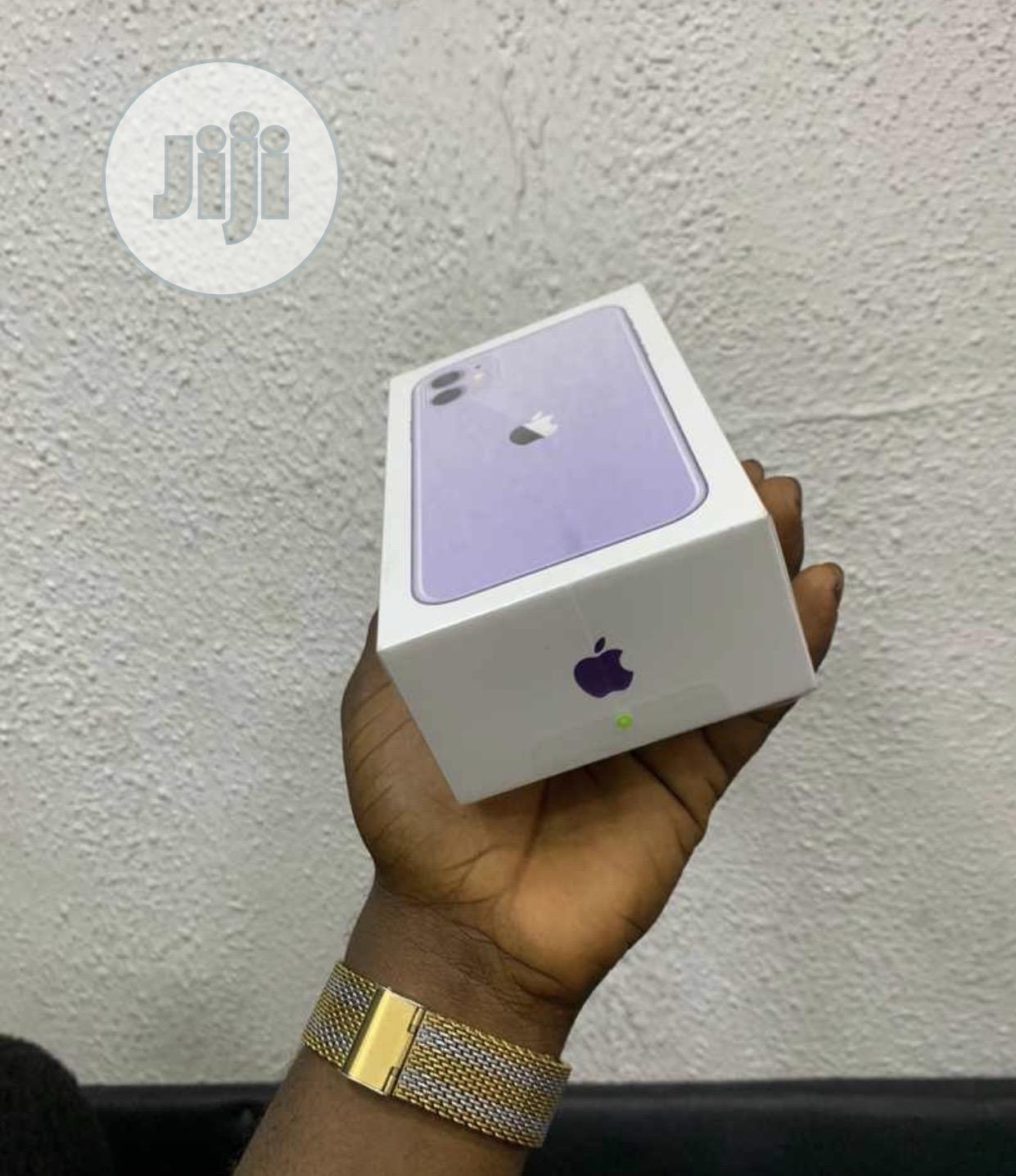 New Apple iPhone 11 64 GB Purple