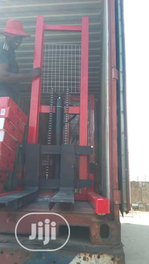 2tons Hydraulics Manual Forklifts   Heavy Equipment for sale in Lagos State, Alimosho