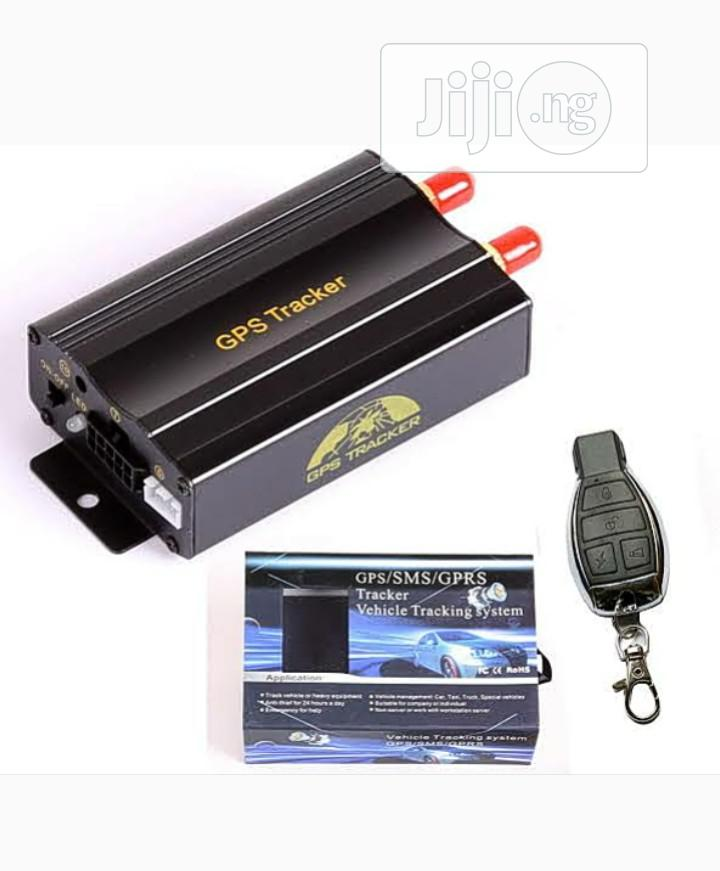 GSM/GPRS/GPS Tracker. Vehicle Tracking System.