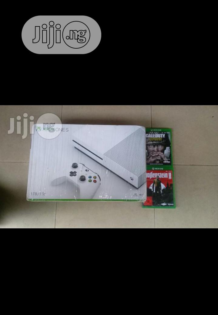 Brand New Xbox One S Console With 2 Games Cd Inside