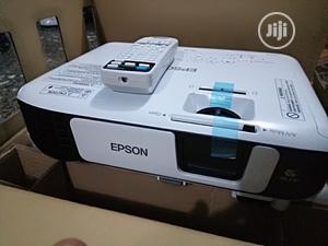 Epson EB-S41 3300 Lumens Projector With USB/HDMI Ports | TV & DVD Equipment for sale in Lagos State, Gbagada