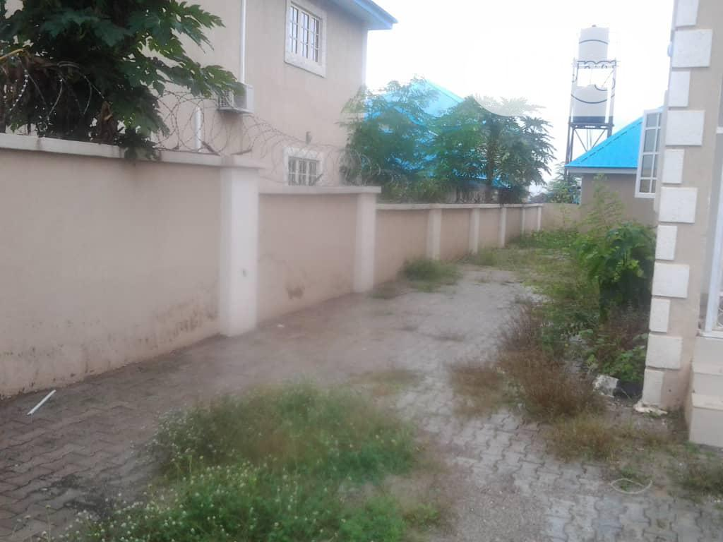 4 Bedroom Fully Detached Duplex   Houses & Apartments For Sale for sale in Lugbe District, Abuja (FCT) State, Nigeria