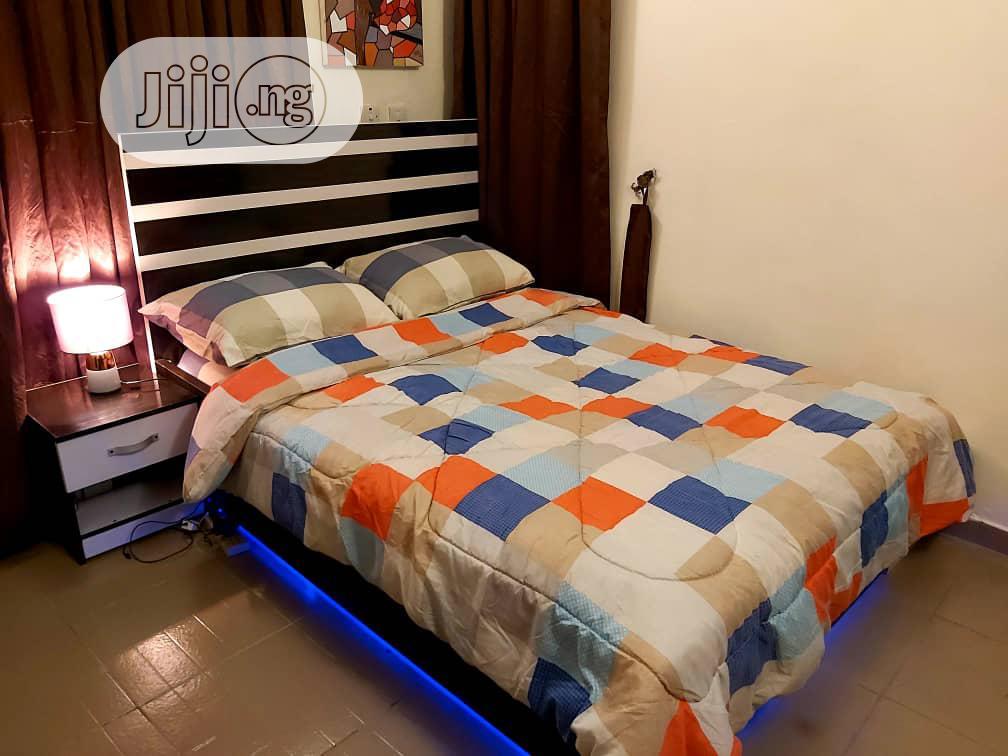 41/2*6ft Modern Bedframe With Led Light