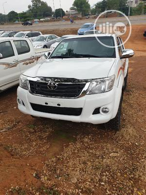 Toyota Hilux 2012 2.7 VVT-i 4X4 SRX White | Cars for sale in Abuja (FCT) State, Gwarinpa