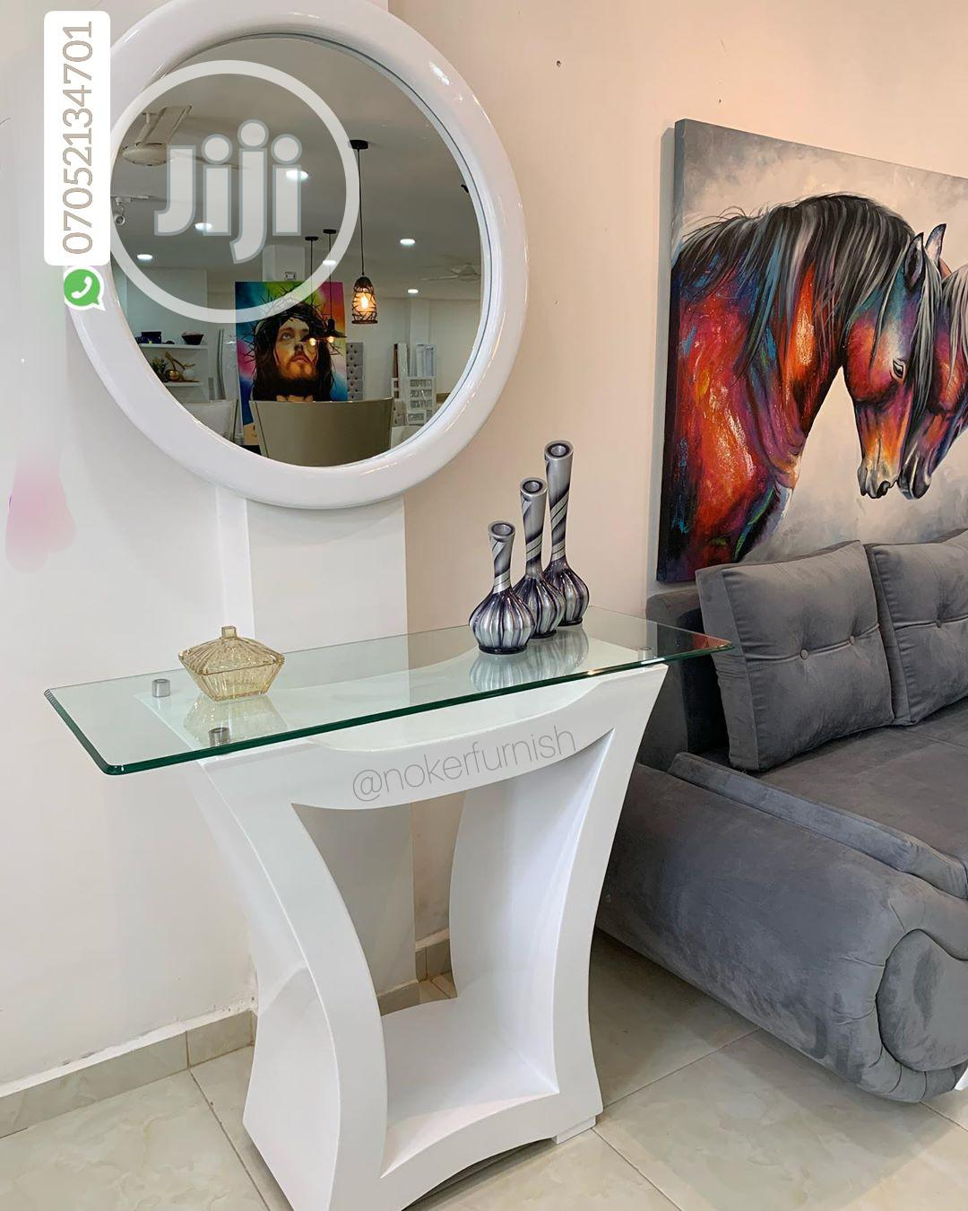 Govalex Console Table With Round Mirror