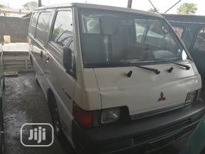 Mitsubishi L300 2003 White | Buses & Microbuses for sale in Lagos State, Apapa