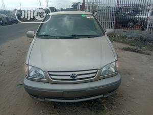 Toyota Sienna 2003 Gold | Cars for sale in Lagos State, Amuwo-Odofin