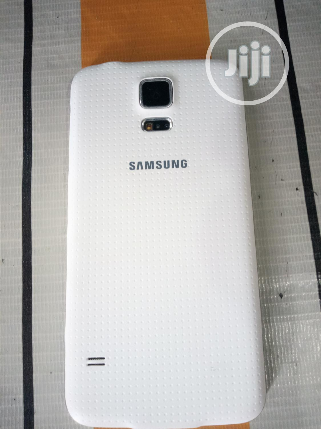 Samsung Galaxy S5 32 GB White | Mobile Phones for sale in Ajah, Lagos State, Nigeria