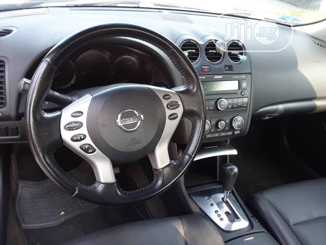 Archive: Nissan Altima 2009 Black