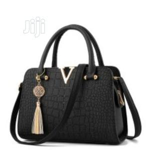 Marvelous Quality Ladies Handbag (Leather) - Black Red | Bags for sale in Lagos State, Isolo