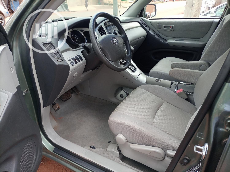 Archive: Toyota Highlander 2004 Green