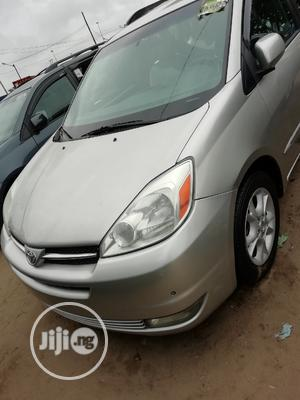 Toyota Sienna 2005 XLE Silver   Cars for sale in Lagos State, Apapa