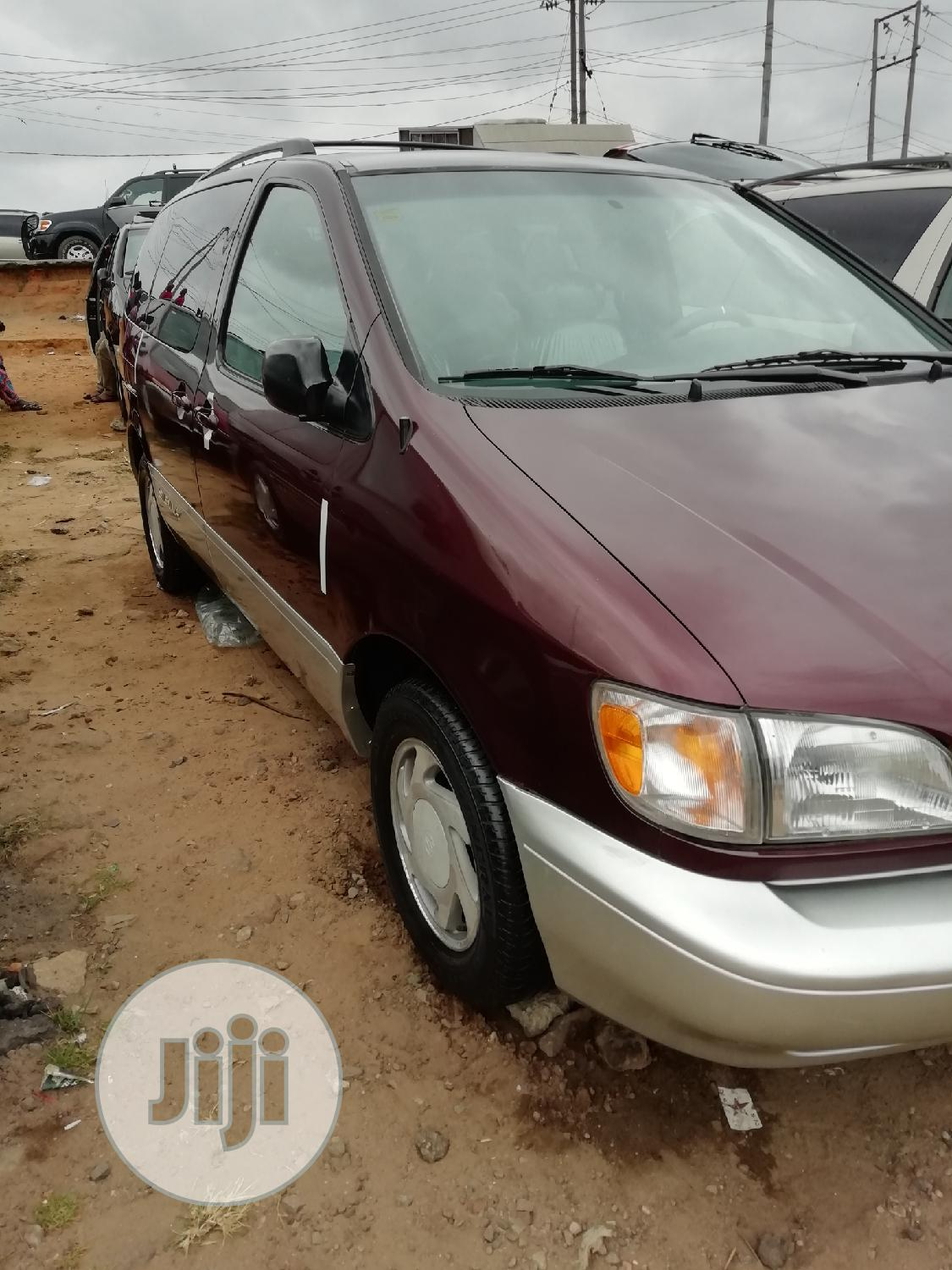 Toyota Sienna 2000 LE & 1 hatch | Cars for sale in Apapa, Lagos State, Nigeria