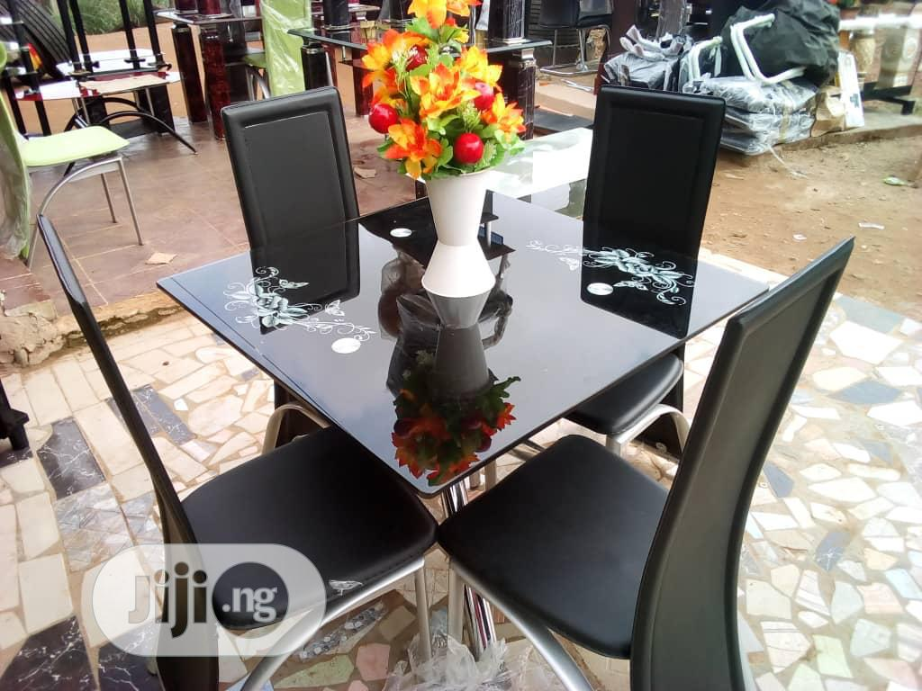 Square Dinning Table With 4 Chairs