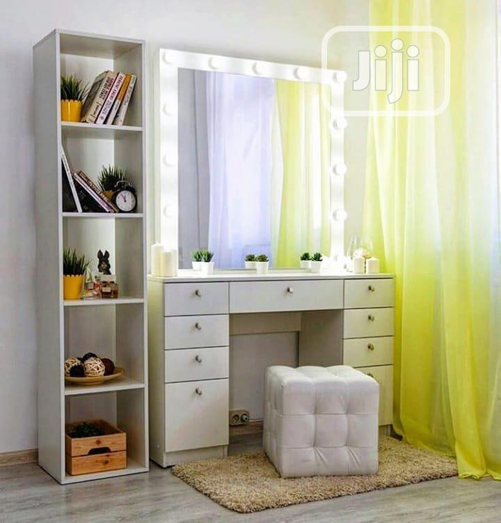 Make-Up Dressers Table With Mirror Glass