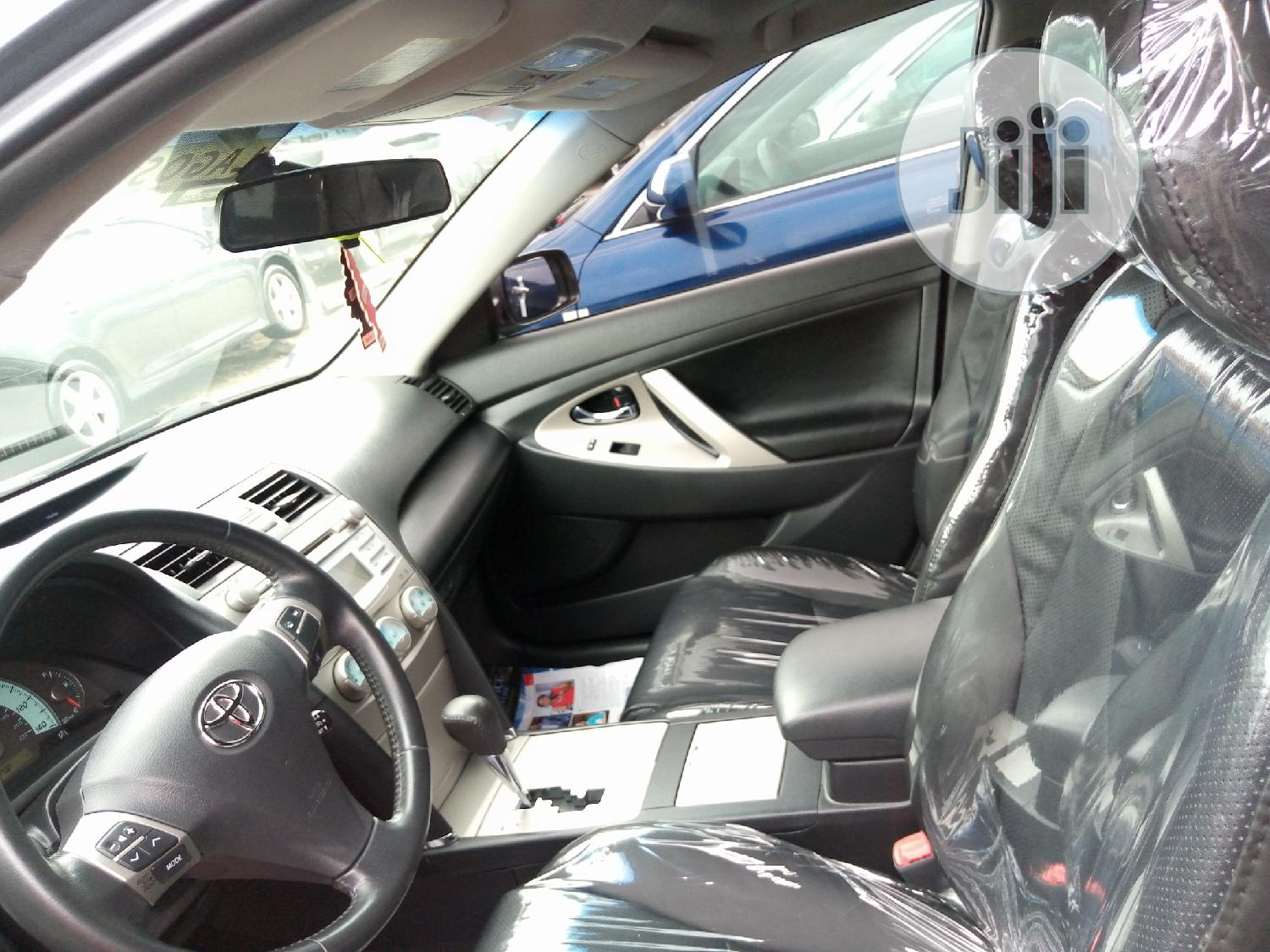Archive: Toyota Camry 2008 2.4 SE Gray