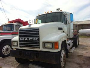 Extremely Clean Tokunbo Mack CH 2002 Truck | Trucks & Trailers for sale in Lagos State, Amuwo-Odofin