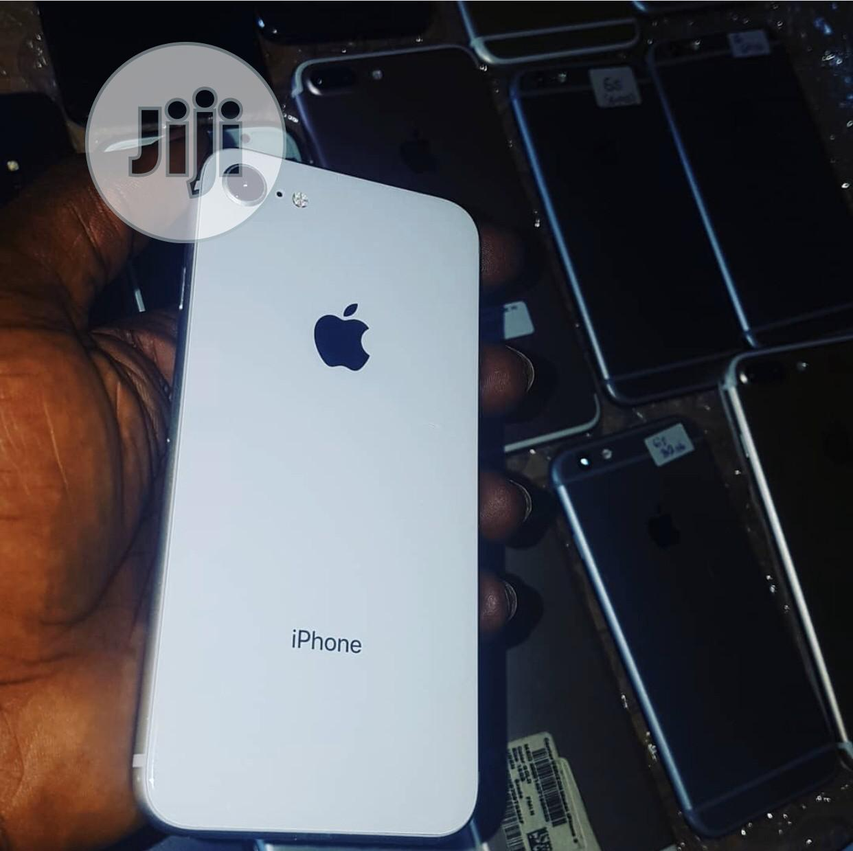 Apple iPhone 8 64 GB Gold   Mobile Phones for sale in Wuse 2, Abuja (FCT) State, Nigeria