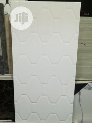 25/50 Design White Wall Tile   Building Materials for sale in Lagos State, Agege