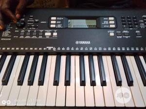 Yamaha Keyboard Psr E363 With De Power | Musical Instruments & Gear for sale in Lagos State, Ikeja