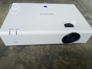 Good Fairly Used Sony Projector For Sale | TV & DVD Equipment for sale in Lagos State, Gbagada
