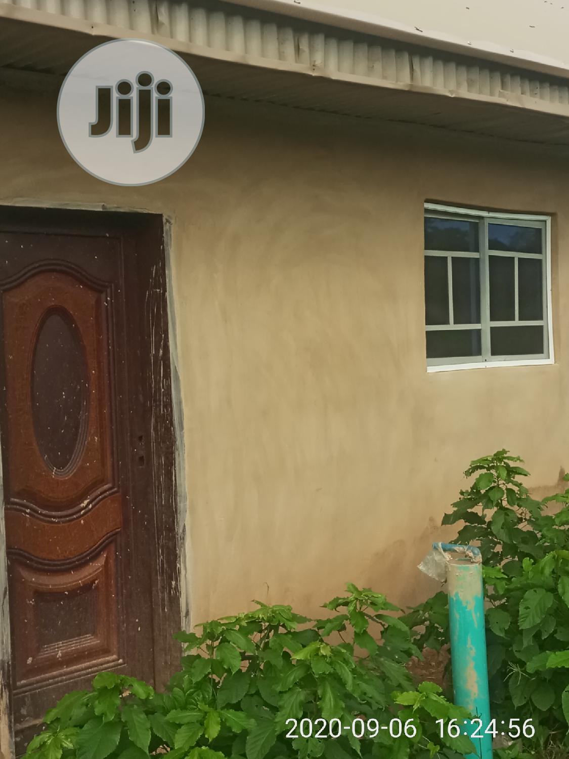 Archive: 3bdrm Apartment in Ibadan for Sale
