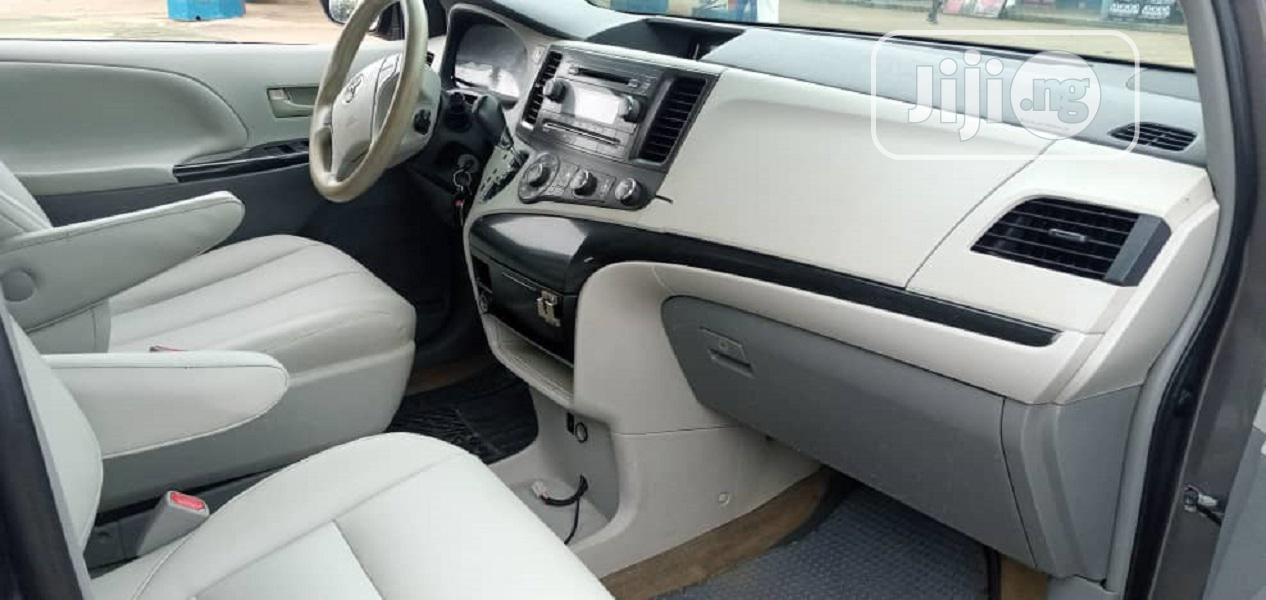 Toyota Sienna 2014 Gray | Cars for sale in Central Business District, Abuja (FCT) State, Nigeria