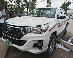 Toyota Hilux 2014 SR5 4x4 White | Cars for sale in Lagos State, Amuwo-Odofin