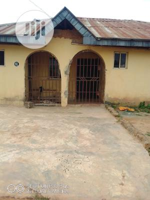 Available Three Bedroom At Alakuta Lane 7 Idunnu Avenue | Houses & Apartments For Sale for sale in Oyo State, Ibadan